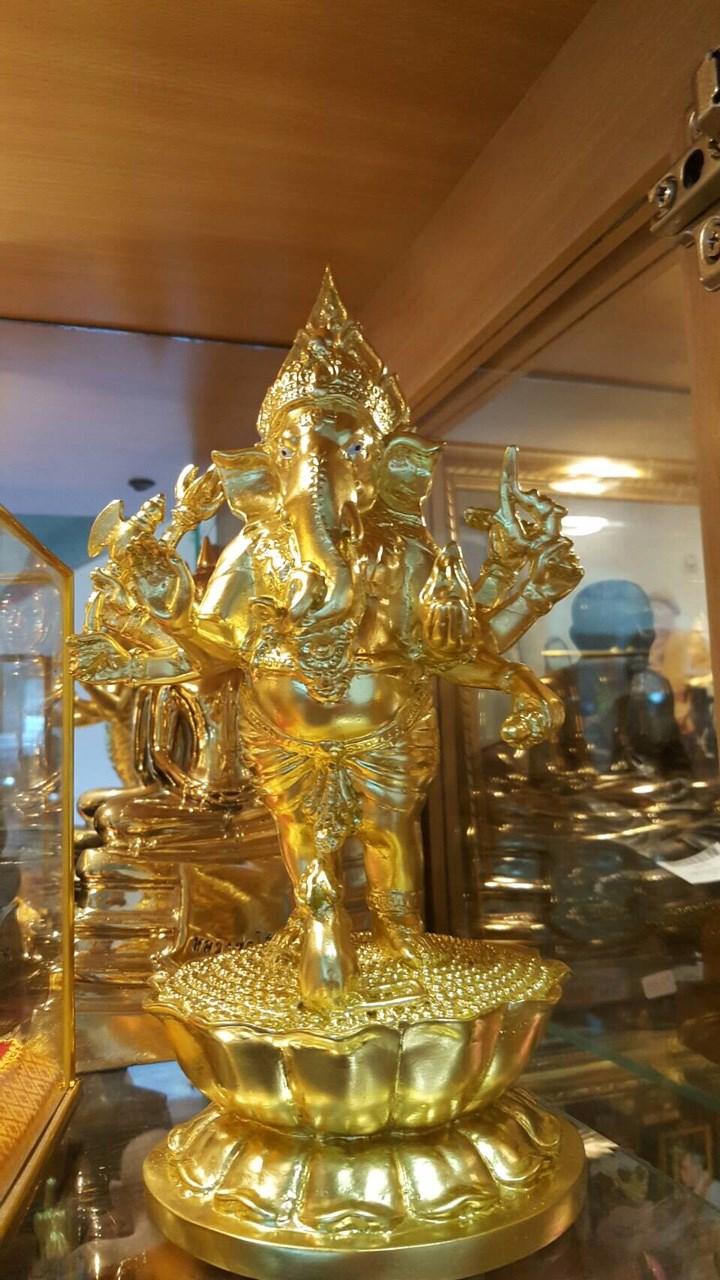 #พระพิฆเนศ #เทพเจ้าแห่งความสำเร็จ ขนาดบูชา #ปิดทององค์จริงสง่างามสวยมากค่ะ #สหพระเครื่อง แฟชั่นรามอินทรา 0615858999