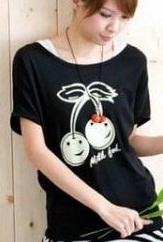 เสื้อยืดสีดำ สกรีนลายน่ารัก ใส่ได้ทั้งแบบคอกลม หรือคอปาด สวยเปรี้ยว