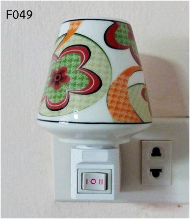 โคมไฟเสียบปลั๊กอโรม่า (A049)