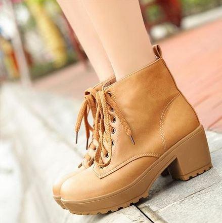 (พร้อมส่ง) รองเท้าหนังบูทมาร์ตินส้นสูงผูกเชือก