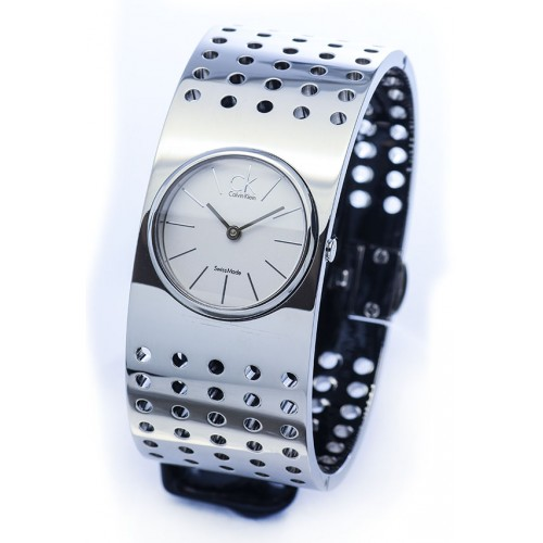 นาฬิกาข้อมือผู้หญิง Calvin Klein รุ่น K8324120, Bangle Sapphire Analog Grid Collection Swiss Watch