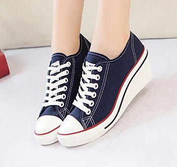 รองเท้าผ้าใบส้นสูงแฟชั่นเกาหลี