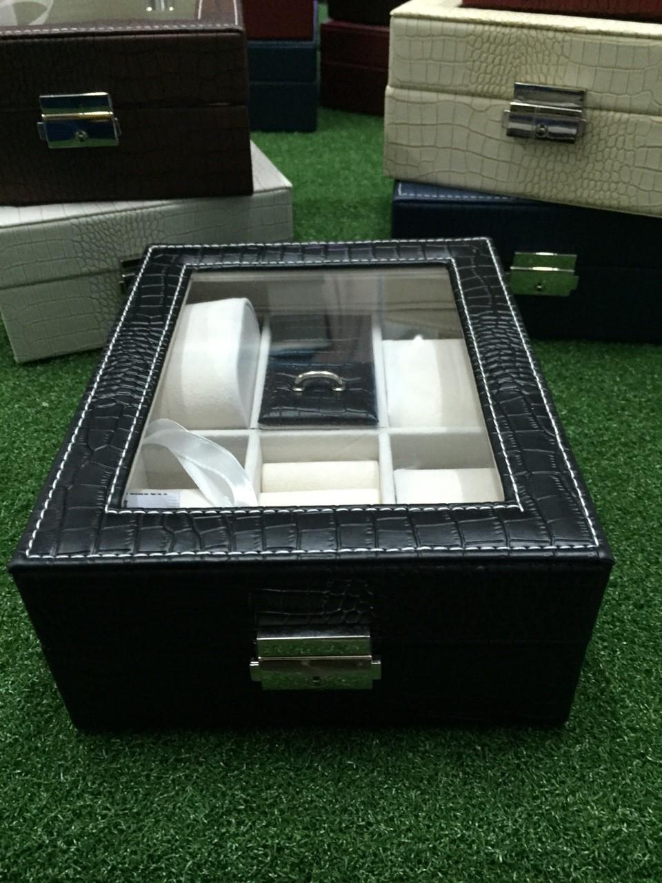 กล่องนาฬิกา 6 ช่องลายหนังจรเข้ สีดำ