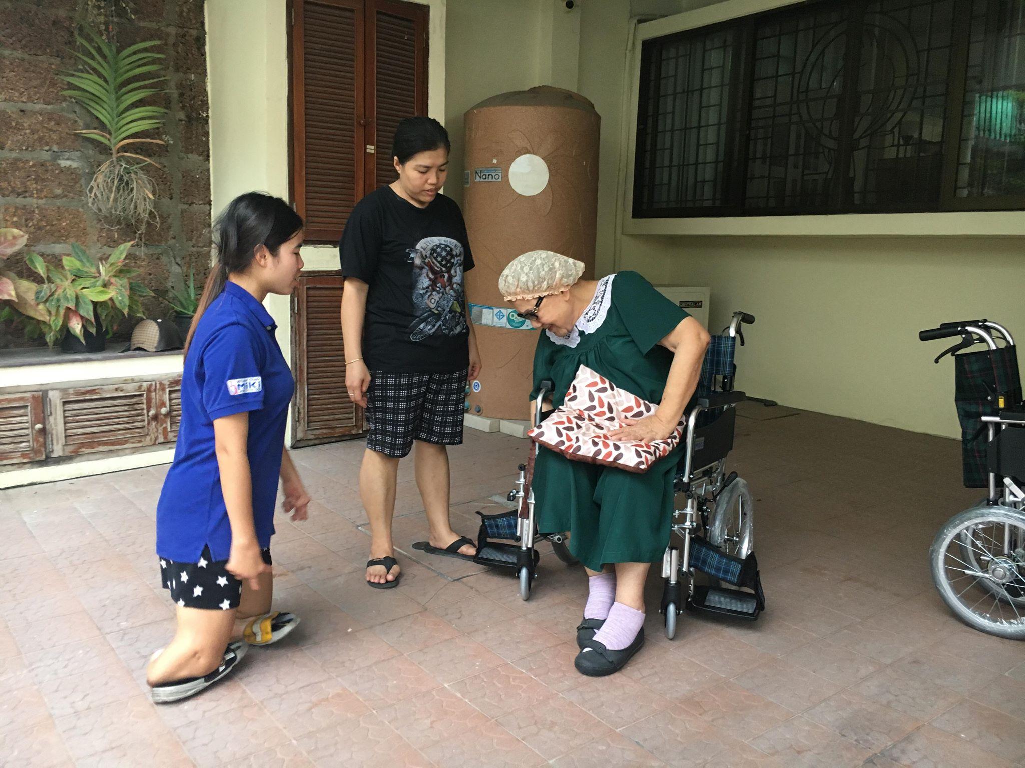 วีลเเชร์ รถเข็นผู้ป่วย รถเข็นผู้สูงอายุ รถเข็นอาบน้ำ รถเข็นนั่งถ่าย รถเข็นผู้สูงอายุปรับนอน