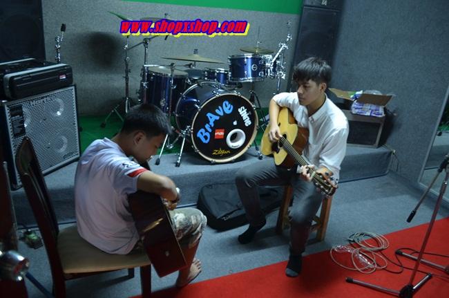 สอนดนตรี สอนpaino สอนกลอง สอนกีตาร์ สอนร้องเพลง สอนเต้น