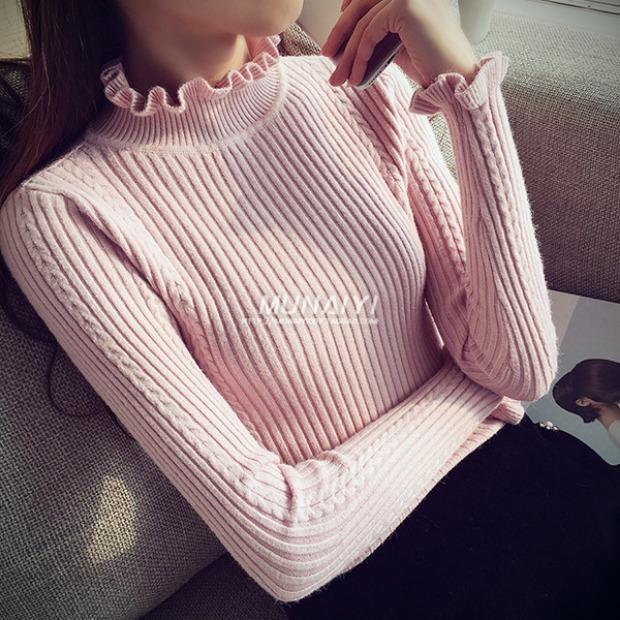 Pre - เสื้อไหมพรมผ้าร่อง นิตติ้งคอเต่าแต่งระบายที่แขนและคอ สุดน่ารัก สีชมพู