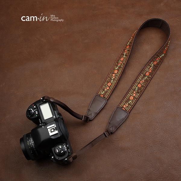 สายคล้องกล้องลายถัก cam-in Infinite brown flora ดอกไม้สีน้ำตาล