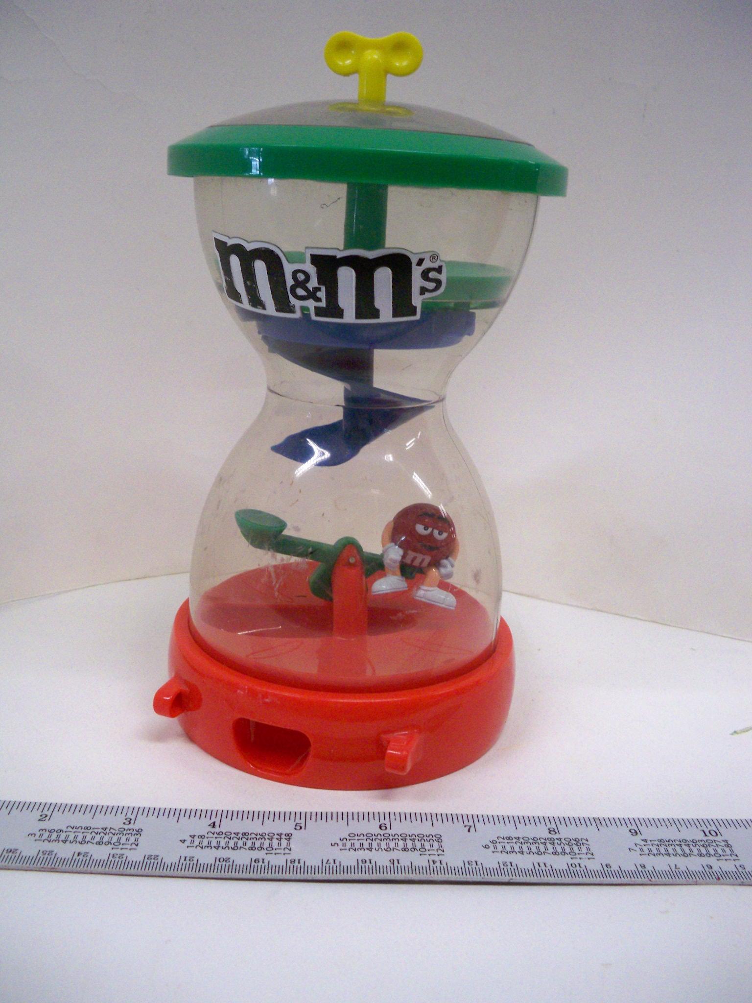 M&M ทรงนาฬิกาทราย
