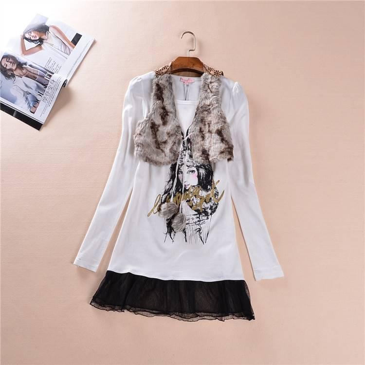 (SALE) เดรสสั้น แขนยาว ผ้าต่อลูกไม้ ลายผู้หญิง สีขาว + เสื้อกั๊กผ้าขนสัตว์เทียม