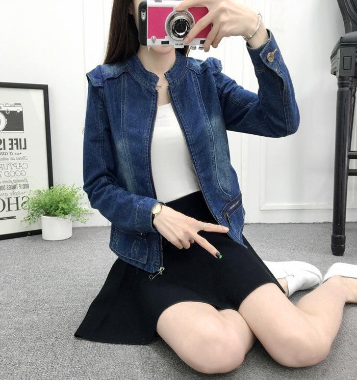 เสื้อยีนส์ผู้หญิง แจ็คเก็ตยีนส์ เสื้อคลุมยีนส์ สีน้ำเงิน คอจีน แบบซิบรูด เท่ๆ