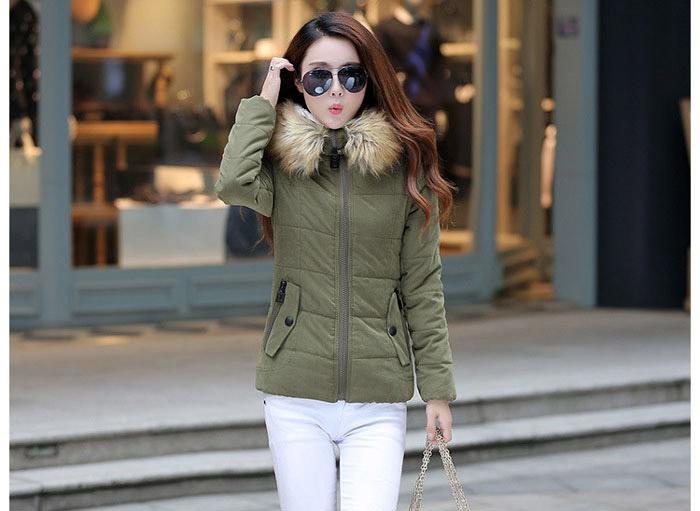 เสื้อกันหนาวผู้หญิงแฟชั่นเกาหลี สีเขียวทหาร แจ็คเก็ตมีเฟอร์ขนสัตว์ รอบฮู้ด แบบถอดได้ ใส่ลุยหิมะ สวยๆ