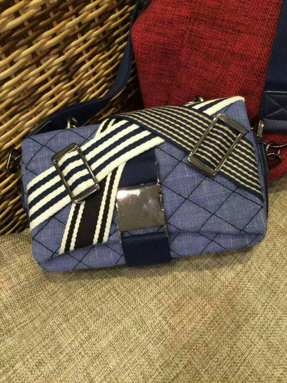 *Chanel Denim and Toile Flap bag navy blue and white *
