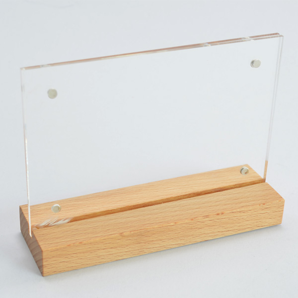 H9001M ป้ายอะคริลิค T-Shape ฐานไม้ธรรมชาติ ขนาด 4R (4x6 นิ้ว) แนวนอน