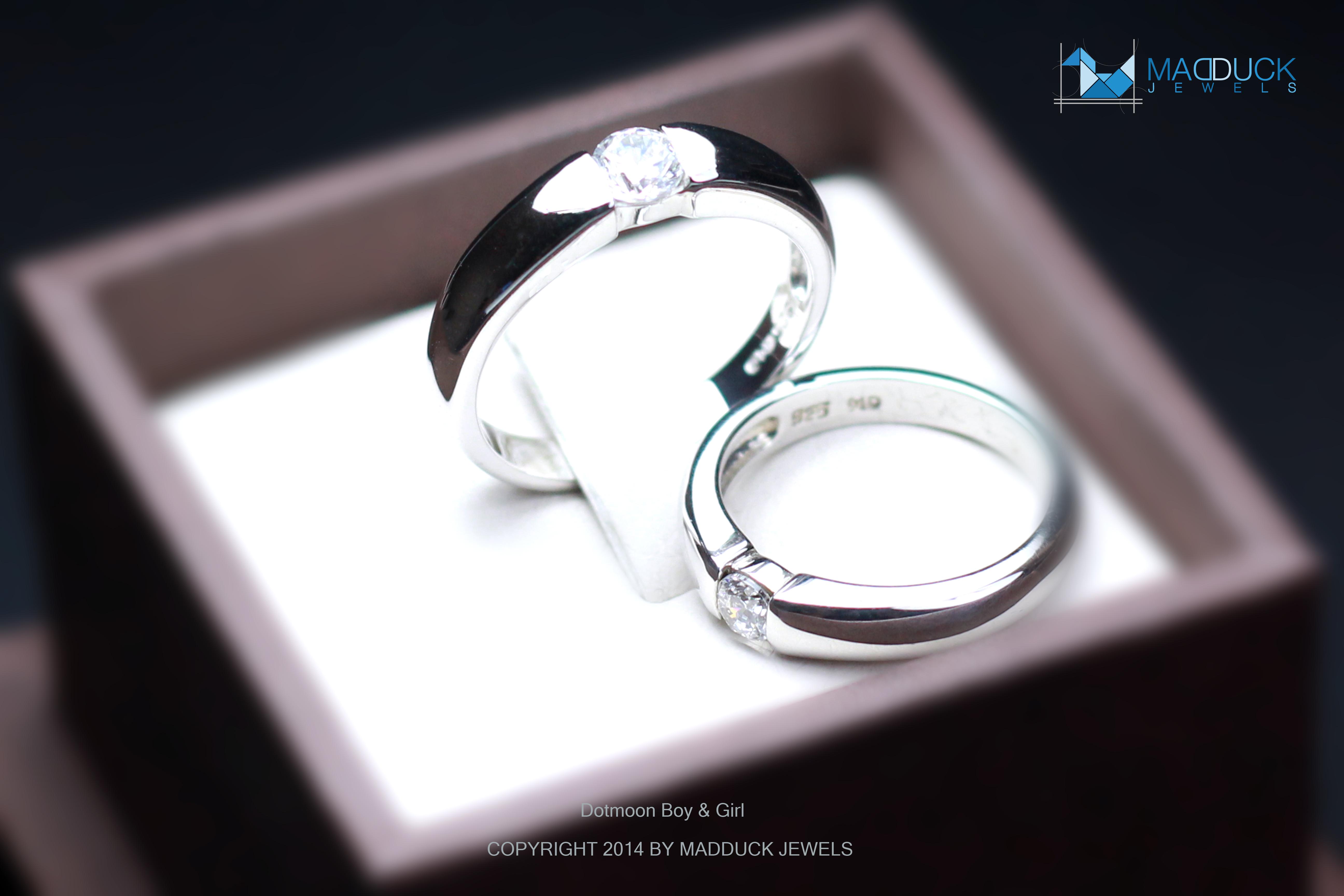 แหวนคู่รักเงินแท้ เพชรสังเคราะห์ ชุบทองคำขาว รุ่น LV14781423 Dot Moon B&G