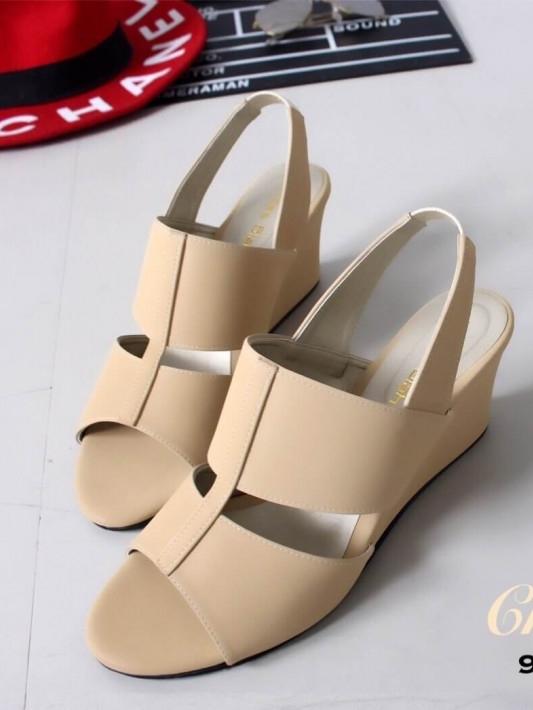 รองเท้าส้นเตารีด แบบสวมหนังนิ่ม (สีครีม )