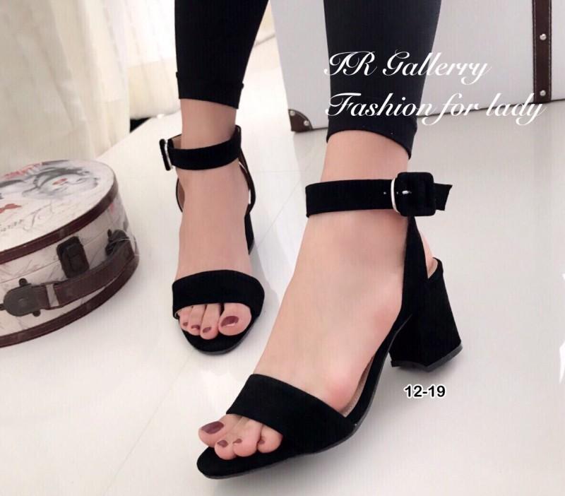 รองเท้าส้นตันรัดข้อสีดำ สายรัดข้อตะขอเกี่ยวปรับได้ (สีดำ )
