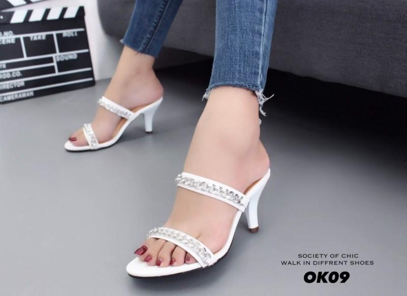 รองเท้าส้นเข็มเปิดส้นสีขาว สไตล์แบรนด์ GIVENCHY (สีขาว )