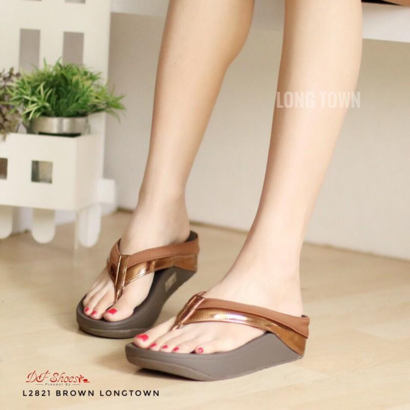 รองเท้าแตะเพื่อสุขภาพสีน้ำตาล แบบคีบ สายคาดแถบโทนเมทัลลิค (สีน้ำตาล )