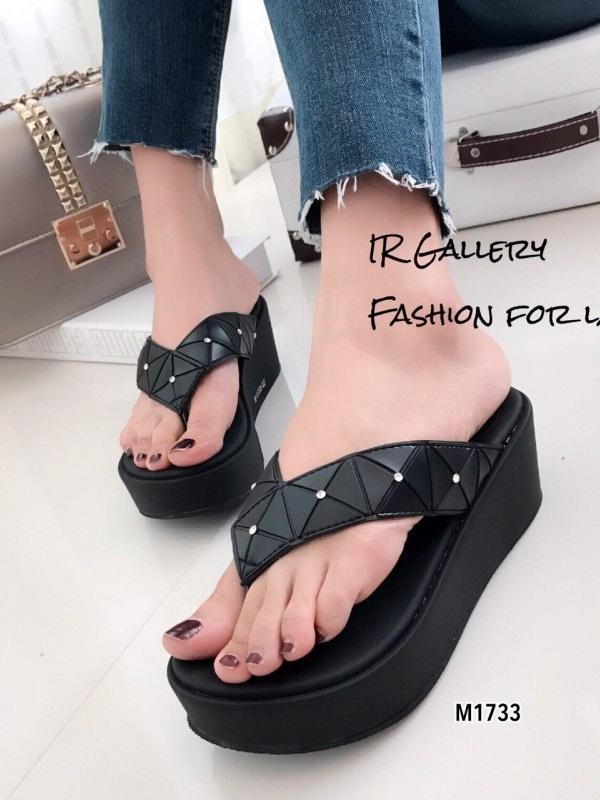รองเท้าแตะผู้หญิงสีดำ แบบคีบ BAOBAO Issey Miyake (สีดำ )