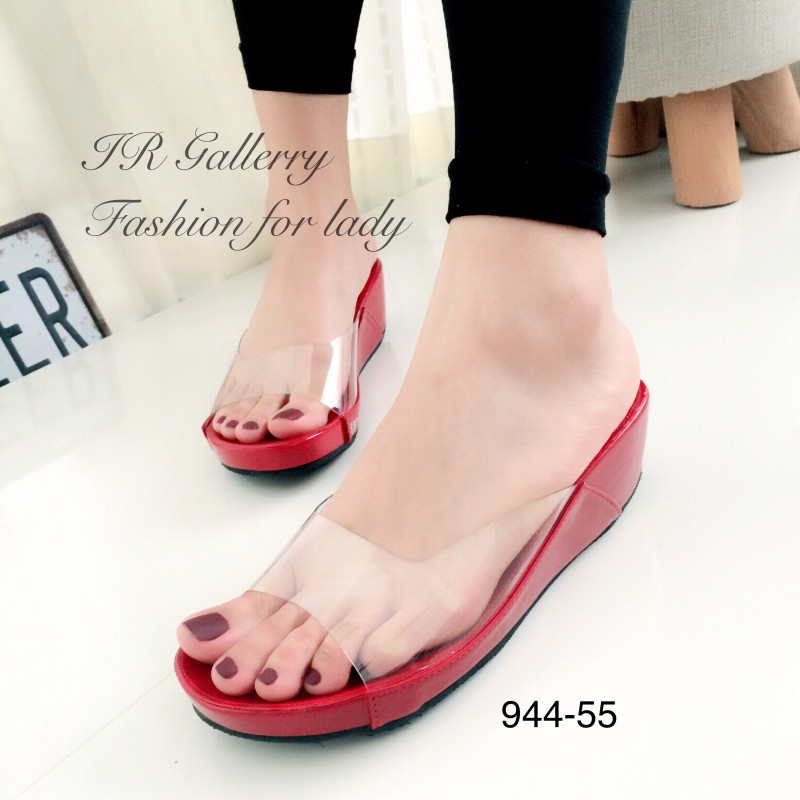 รองเท้าส้นเตารีดเปิดส้นสีแดง สไตล์ลำลอง พียูใสนิ่มไม่บาดเท้า (สีแดง )