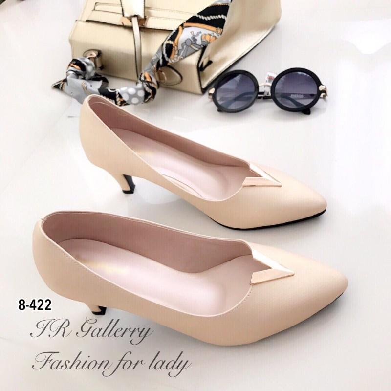 รองเท้าคัทชูหัวแหลมสีครีม Style LV (สีครีม )
