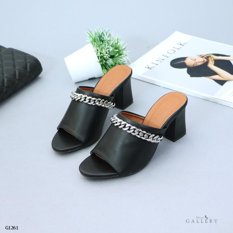 รองเท้าส้นตันเปิดส้นสีดำ ทรงสวมเก็บเท้า แต่งสายโซ่เก๋ (สีดำ )