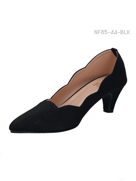 รองเท้าคัทชูหัวแหลม ตัดขอบรองเท้า (สีดำ )