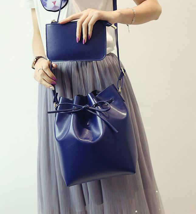 ขายส่ง กระเป๋าแฟชั่นสะพายข้างทรงขนมจีบ เช็ต 2 ใบ fashion bag รหัส G-093 สีน้ำเงิน