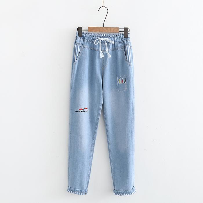 กางเกงยีนส์ขายาวเอวยืด ปักแต่งลาย (มีให้เลือก 2 สี 2 ไซส์)