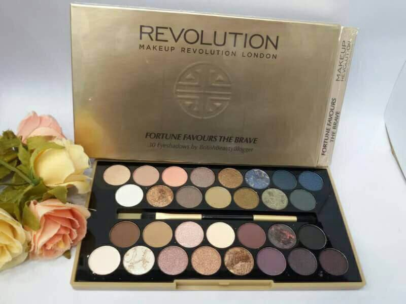 #Makeup Revolution BRITISH BEAUTY BLOGGER FORTUNE FAVOURS THE BRAVE EYESHADOW PALETTE
