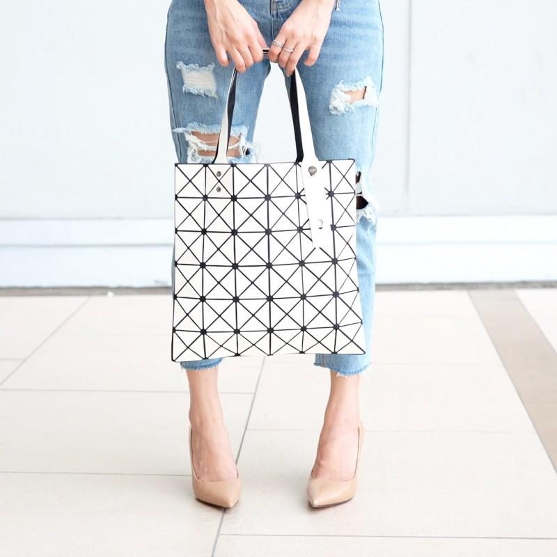 กระเป๋าสะพายแฟชั่น กระเปาสะพายข้างผู้หญิง Bao Bao 6*6 NoLogo [สีขาว ]