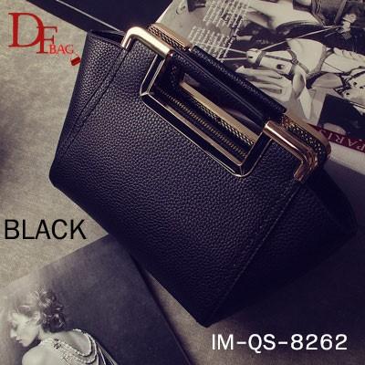 กระเป๋าถือแฟชั่น ประดับอะไหล่ทองที่หูจับ สวย [สีดำ ]