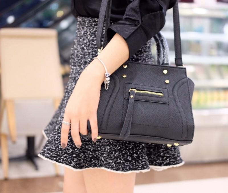 กระเป๋าสะพายแฟชั่น กระเป๋าสะพายข้างผู้หญิง สะพายข้าง NEW CELINE [สีดำ]