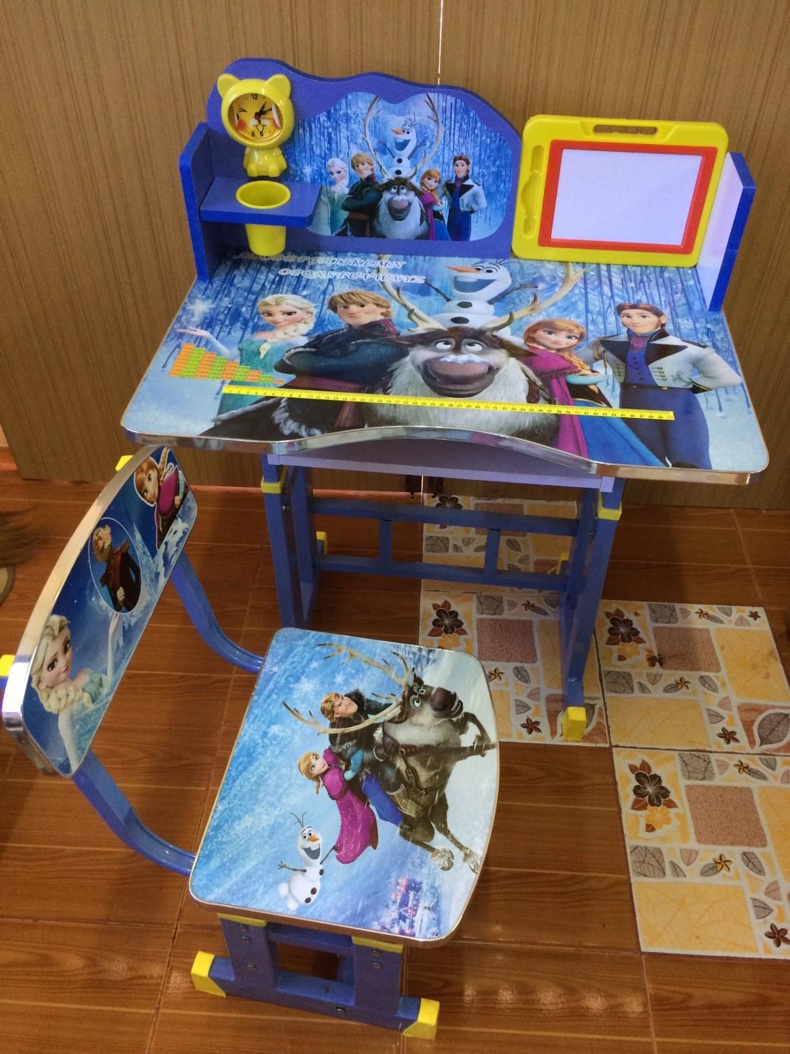 โต๊ะเขียนหนังสือเด็กลายเอลซ่า