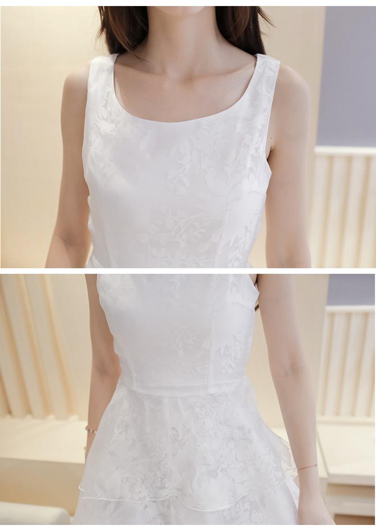 ชุดลูกไม้สีขาวกระโปรงสั้นปล่อยชายยาวแนวเจ้าหญิง