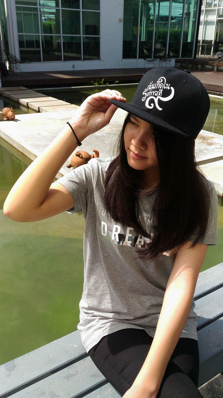 """หมวกแก๊ป ไว้อาลัย สีดำ ลาย """"ฉันเกิดในรัชกาลที่9"""" (แอดไลน์ @pinpinbike ใส่ @ ข้างหน้าด้วยนะคะ)"""