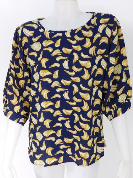 ขายส่งเสื้อผ้าแฟชั่นลายกล้วยสุดฮิต ผ้าเนื้อดีใส่สบายค่ะ รอบอก 40 นิ้วความยาวเสื้อ 26 นิ้ว