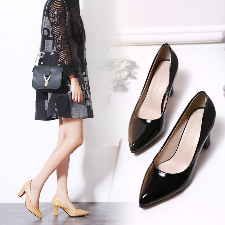 Preorder รองเท้าแฟชั่น รองเท้าส้นสูง 31-46 รหัส 9DA-8582