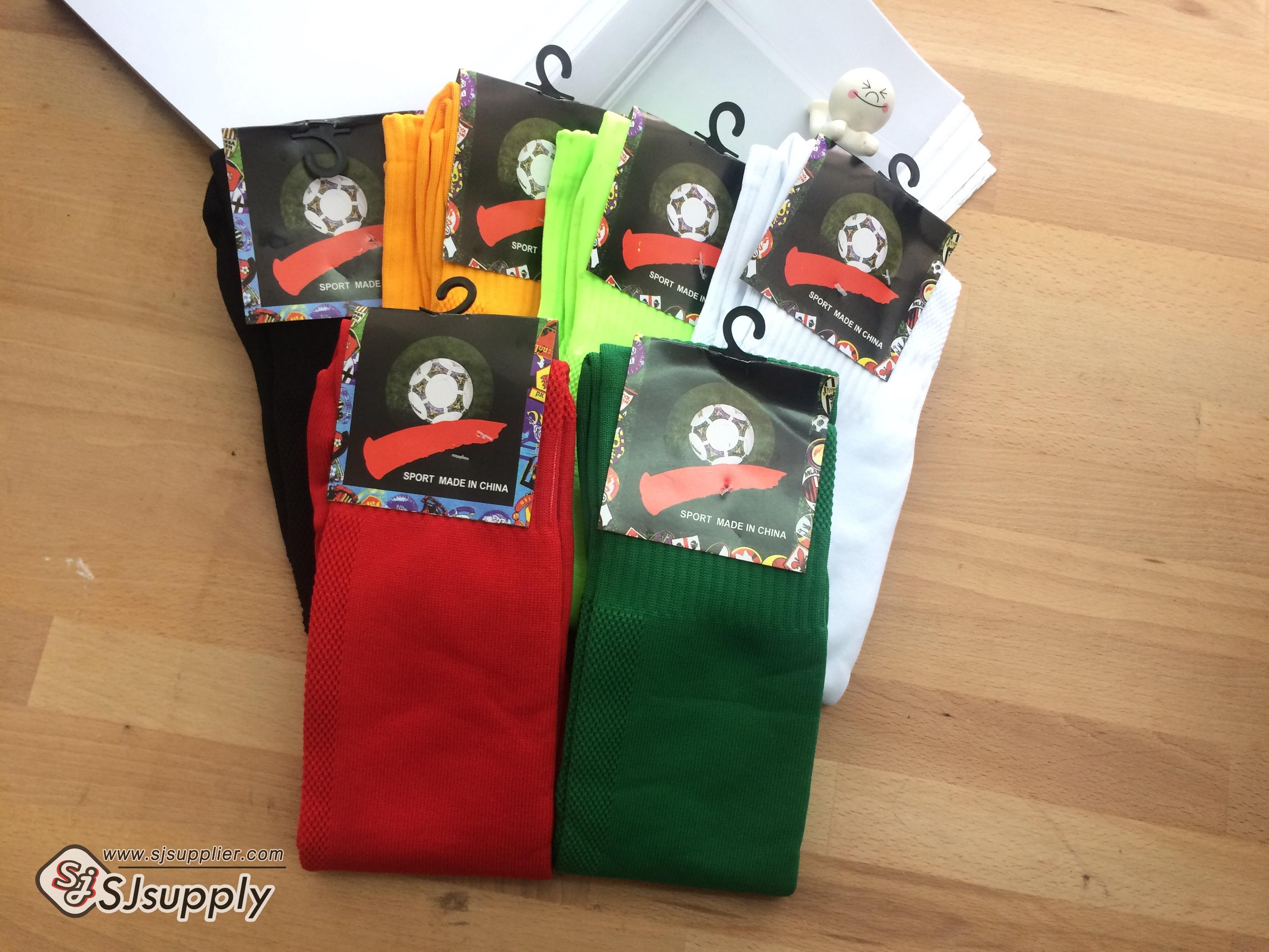 เซตถุงเท้าฟุตบอล สีพื้น ( 6 คู่ )