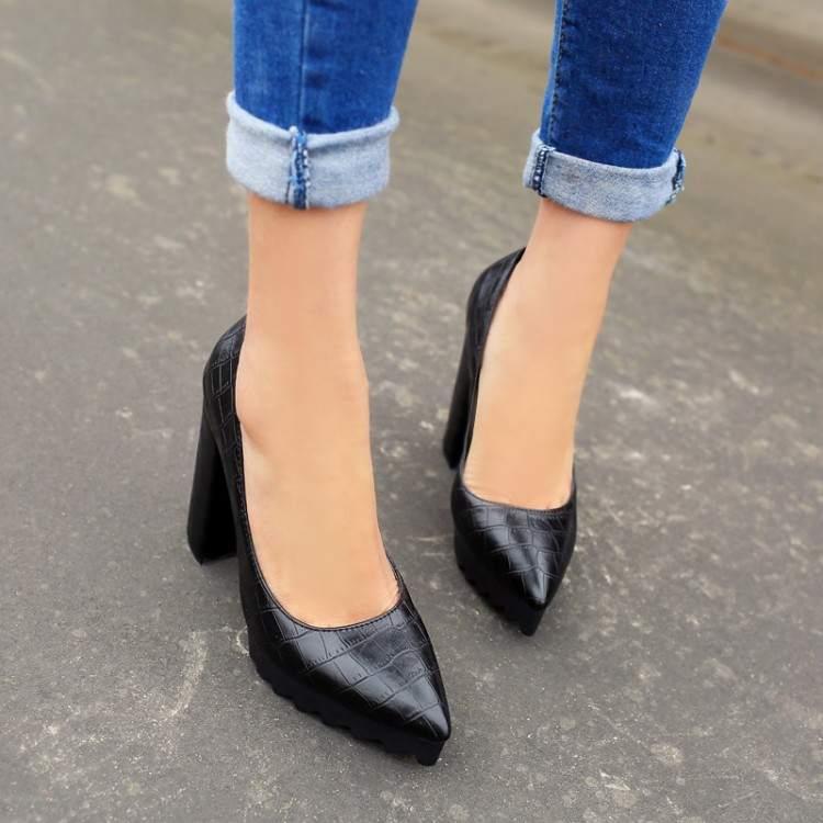 Preorder รองเท้าแฟชั่น สไตล์เกาหลี 34-43 รหัส 9DA-8247