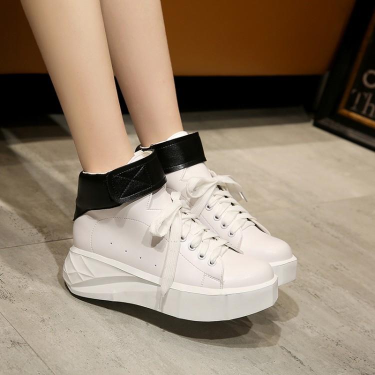 Preorder รองเท้าแฟชั่น สไตล์เกาหลี 34-43 รหัส 9DA-8720