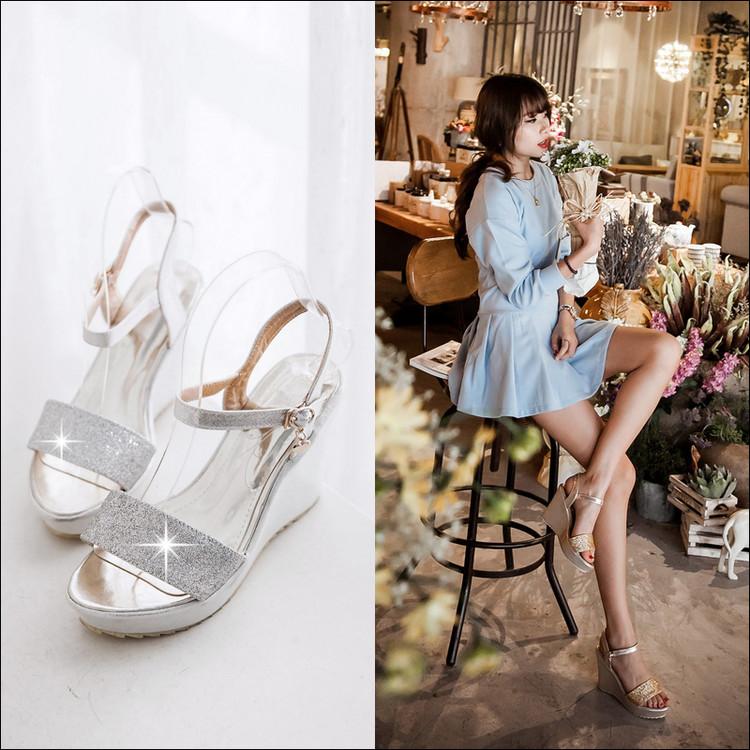 Preorder รองเท้าแฟชั่น สไตล์เกาหลี 34-43 รหัส 9DA-7508