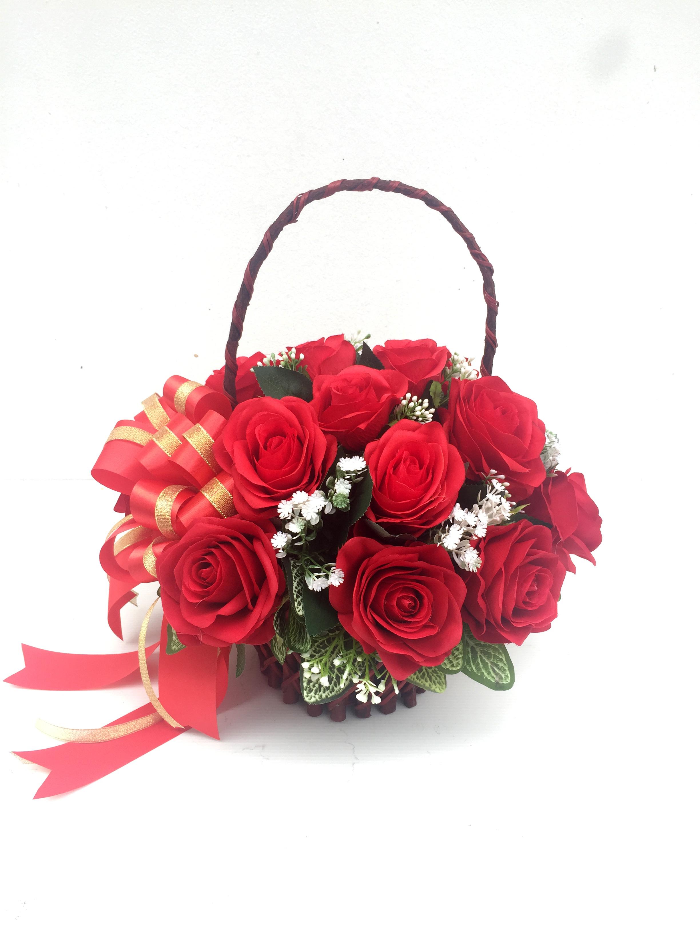 กระเช้าดอกไม้ประดิษฐ์กุหลาบแดง รหัส 2078