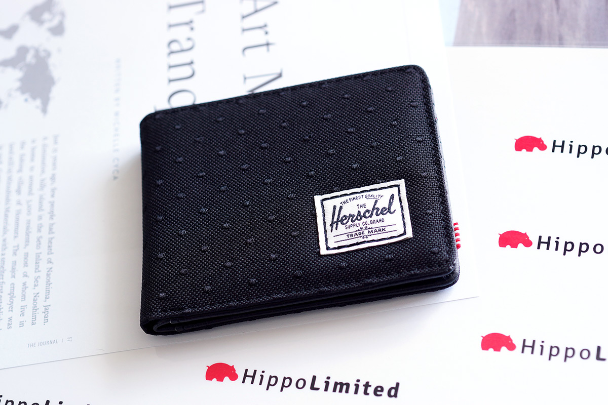 กระเป๋าสตางค์ Herschel Hank Wallet - Black / Black Embroidery Polka Dot