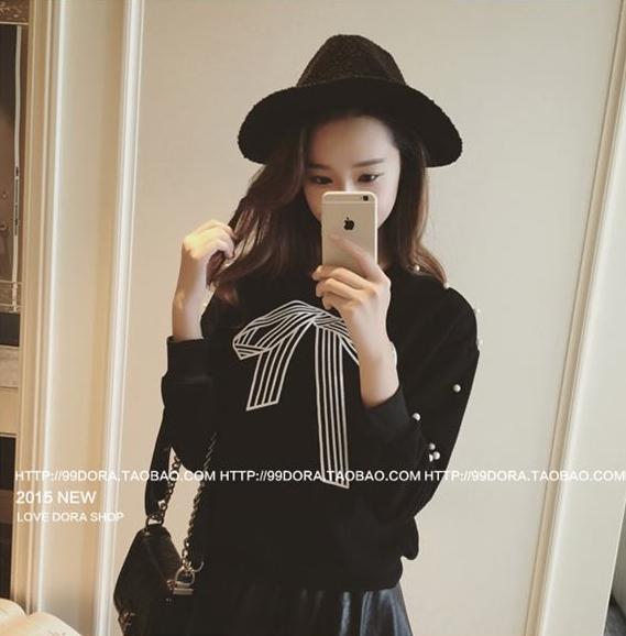 [รหัส B6596] เสื้อผ้าแฟชั่นพร้อมส่ง เสื้อแขนยาวแฟชั่น ผ้า Cloth Cotton ปักไข่มุกที่แขนเสื้อ แบบสวม สีดำ