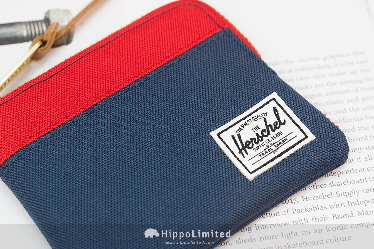 กระเป๋าสตางค์ใส่เหรียญ Herschel Johnny Wallet - Navy/Red ป้ายปักแบบคลาสสิค