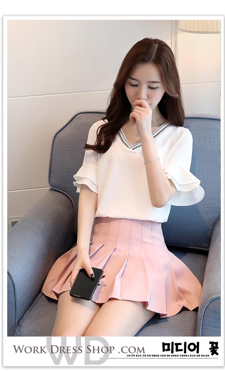 Preorder เสื้อทำงาน สีขาว แต่งรอบคอด้วยลายเก๋ๆ แขนระบายสองชั้น สวยน่ารักสไตล์เกาหลี