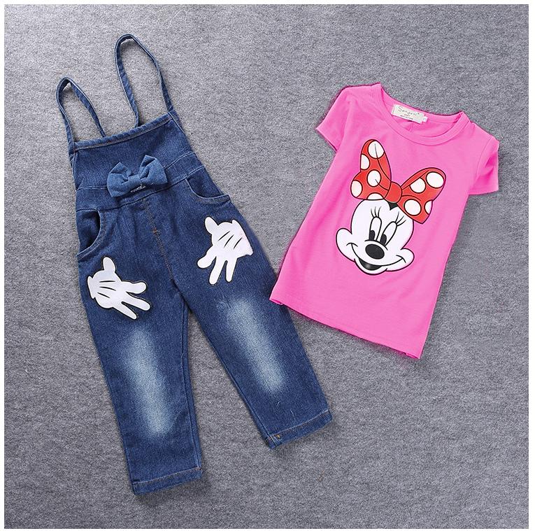 ชุดเอี๊ยมกางเกง เสื้อสีชมพู + เอี๊ยมกางเกง ใส่คู่กันเข้าชุดสุดๆ ใส่แล้วดูเก๋น่ารักมากๆเลยค่ะ