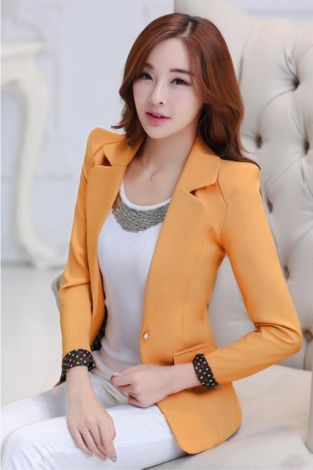 เสื้อสูทแฟชั่นสตรี ใส่ทำงานสวยเก๋ พับปลายแขนโชว์ลาย สีเหลืองส้ม