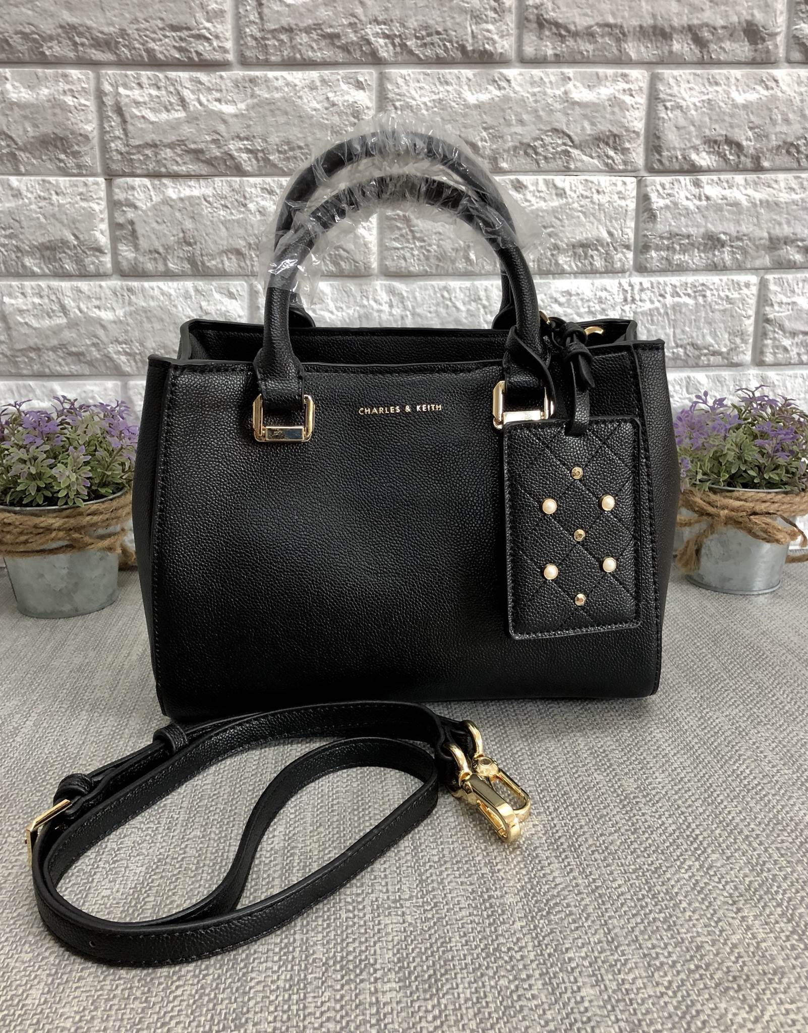 CHARLES & KEITH LARGE STRUCTURE CITY BAG *ดำ